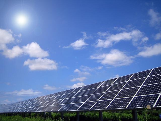 営農型発電装置とは?今注目の営農型発電装置、メリットとかかる費用について 画像1