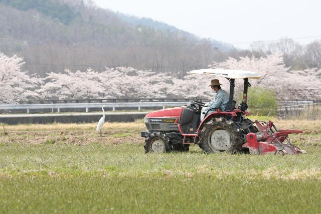 オペレーター農家とは。委託されて農作業を行うオペレーター農家について解説。|画像1