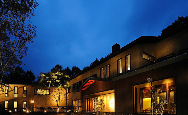 ホテル事業 国立公園にひっそりと佇むホテル